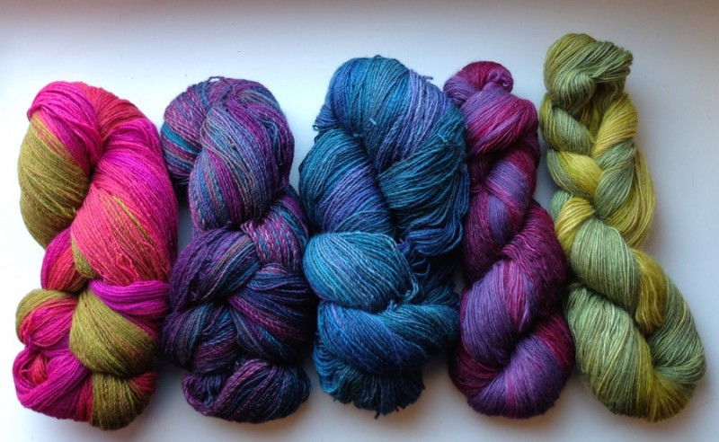 The yarns that I made in the SAL with Smaug!