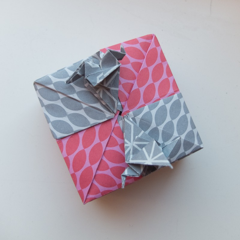 Modular box with two cranes by Tomoko Fuse