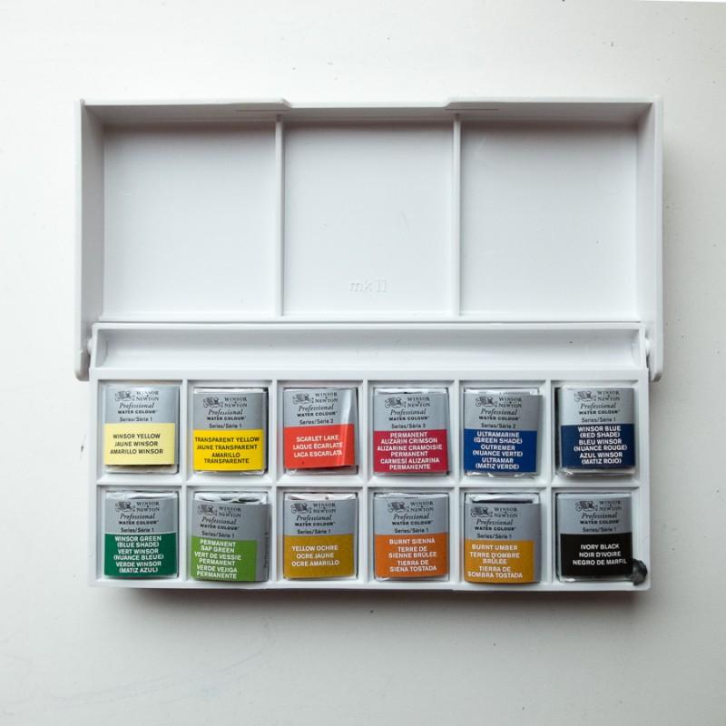 Winsor & Newton artist quality pan set